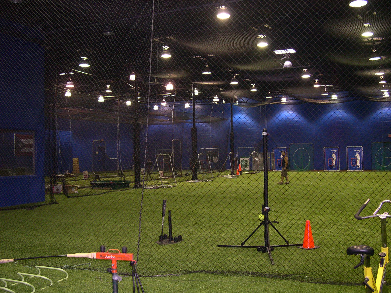 1600x1200 source mirror for Indoor cricket net design